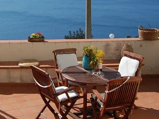 Wonderful 4 bedroom House in Conca dei Marini with Deck - Conca dei Marini vacation rentals