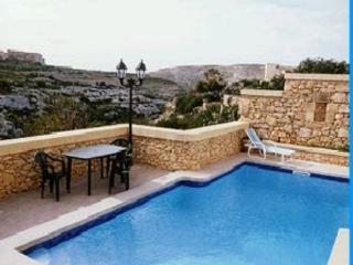 6 bedroom Villa with Parking in Munxar - Munxar vacation rentals