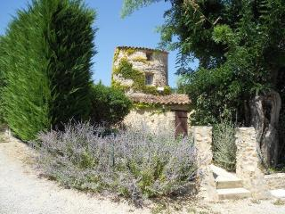 Holiday cottage for 5 between Luberon and Verdon - La Bastide-des-Jourdans vacation rentals