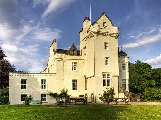 Nice 6 bedroom Strachur Castle with Satellite Or Cable TV - Strachur vacation rentals