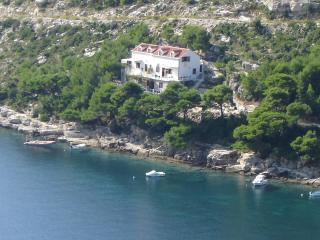 "Apartment Ledinic"" - Ston vacation rentals"