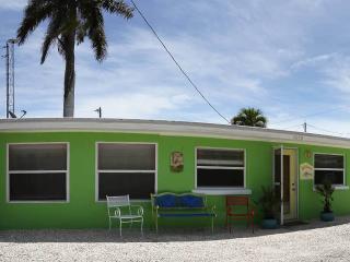 1 bedroom House with Deck in Matlacha - Matlacha vacation rentals