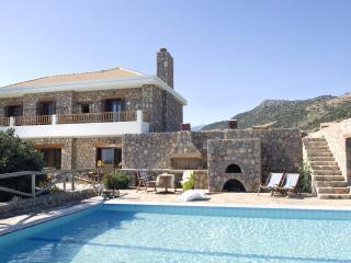 Comfortable 3 bedroom Amoudara Villa with Internet Access - Amoudara vacation rentals