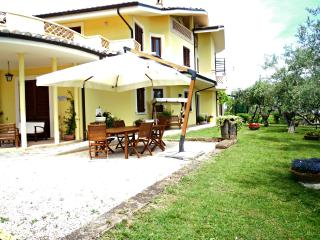 Romantic 1 bedroom Bed and Breakfast in Pianella - Pianella vacation rentals