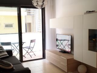 Beautiful 2 bedroom Lloret de Mar Condo with Internet Access - Lloret de Mar vacation rentals