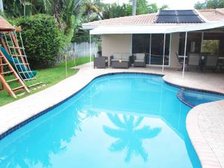 Palm Cove:  Close to all Beaches! Large 4/3. Wow! - Fort Lauderdale vacation rentals