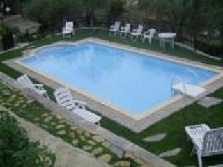 casa indipendente con piscina, barbecue, wifi - Dolcedo vacation rentals