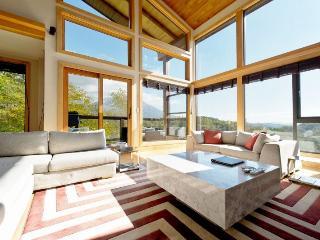 Zekkei, 6 bedroom family ski chalet, Niseko - Niseko-cho vacation rentals