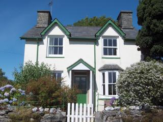 Nice 3 bedroom Cottage in Brithdir - Brithdir vacation rentals