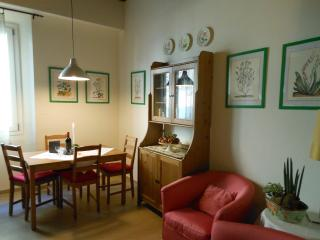 BETTINA ROSE HOUSE - Florence vacation rentals