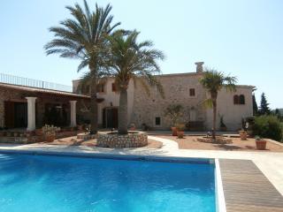 6 bedroom Finca with Internet Access in Son Macia - Son Macia vacation rentals