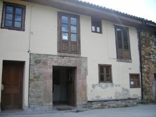 1 bedroom Apartment with Balcony in Oviedo - Oviedo vacation rentals
