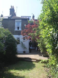 Perfect 4 bedroom London House with Internet Access - London vacation rentals