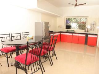 3BHK 15mins Baga, Calangute 'Kirti Bungalow'' - Mapusa vacation rentals
