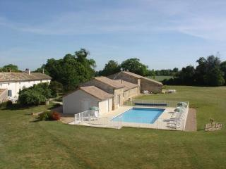 Spacious Gite with Internet Access and Central Heating - Melle vacation rentals