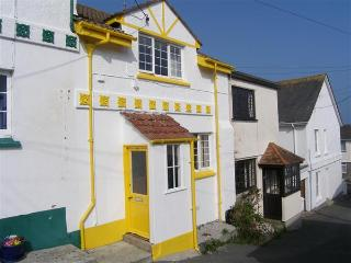 Lovely 3 bedroom Cottage in Portscatho with Internet Access - Portscatho vacation rentals