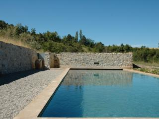 Bright Sisteron vacation House with Central Heating - Sisteron vacation rentals