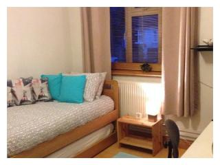 Cozy Twin Room in Parsons Green (S3) - London vacation rentals