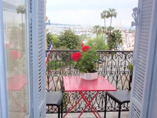 Cannes luxury one bedroom with sea view balcony - Cannes vacation rentals