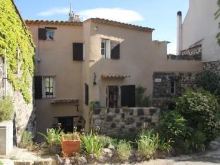 Chambre d'hôte  Maison Rougier Evenos médiéval - Le Beausset vacation rentals
