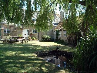 2 bedroom Cottage with Tennis Court in Malmesbury - Malmesbury vacation rentals