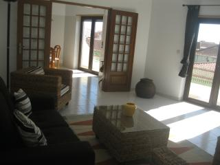 2 bedroom Penthouse with Television in Atouguia da Baleia - Atouguia da Baleia vacation rentals