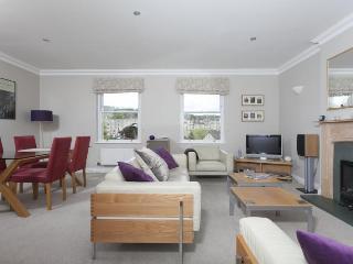 Bright 2 bedroom Condo in Bath - Bath vacation rentals