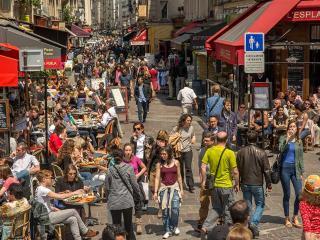 WALK TO LOUVRE~RUE MONTORGUEIL ~PURE LUXURY~AIRCON - Paris vacation rentals