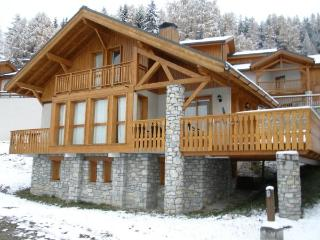 Ambience (B23) is a 10-12p chalet situated directly on the piste - Vallandry vacation rentals