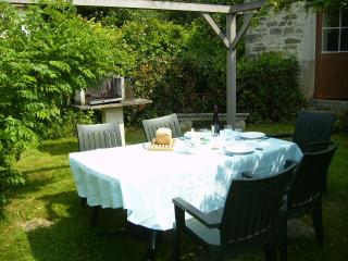 Cozy 2 bedroom Gite in Marigny-le-Cahouet - Marigny-le-Cahouet vacation rentals