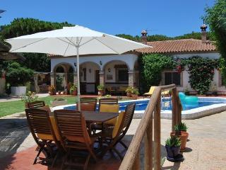 Bright 5 bedroom Villa in Chiclana de la Frontera - Chiclana de la Frontera vacation rentals