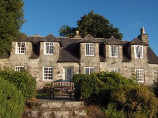 Spacious 6 bedroom Manor house in Brithdir with Internet Access - Brithdir vacation rentals