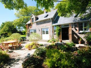 Sunny 4 bedroom Stackpole Cottage with Internet Access - Stackpole vacation rentals