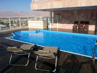 2-bedroom Penthouse with private pool . - Eilat vacation rentals