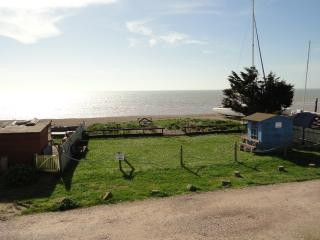 Wonderful Studio with Internet Access and Television - Pevensey Bay vacation rentals