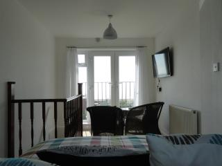 Wonderful Eastbourne Studio rental with Internet Access - Eastbourne vacation rentals