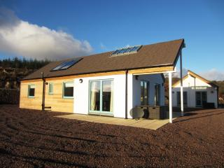 Charming Bungalow with Satellite Or Cable TV and Microwave - Portavadie vacation rentals