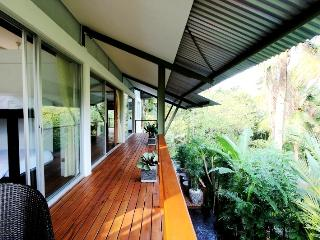Spacious Villa with Dishwasher and Safe - Buwit vacation rentals