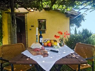 Lovely 1 bedroom House in Torre Alfina with Internet Access - Torre Alfina vacation rentals