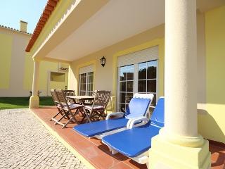 Gound floor 3 bed.apartment! - Obidos vacation rentals