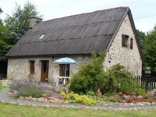 Nice 2 bedroom Saint-Sever-Calvados Cottage with Internet Access - Saint-Sever-Calvados vacation rentals