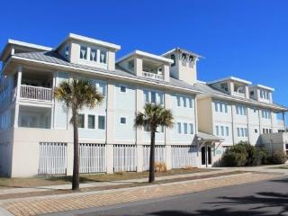 Captain`s Watch - Unit 19 - One Block from the Beach - Close to Shops - Swimming Pool - FREE Wi-Fi - Tybee Island vacation rentals