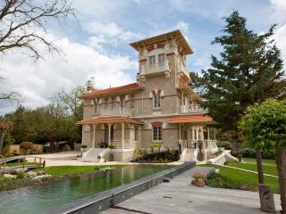 8 bedroom Villa in Lanton, Arcachon, France : ref 2017929 - Taussat les Bains vacation rentals