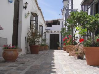 Comfortable Townhouse with Microwave and Television - Mijas Pueblo vacation rentals