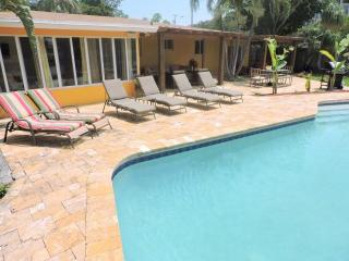 Wilton Manors 4/2 Waterfront Heated Pool for 12 2757 - Florida South Atlantic Coast vacation rentals