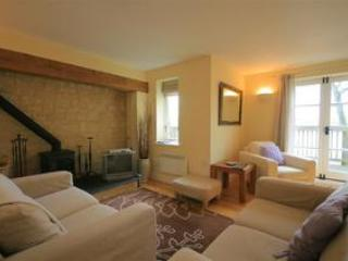 Buttercup Cottage, overlooking the lakes, Cotswolds - Somerford Keynes vacation rentals