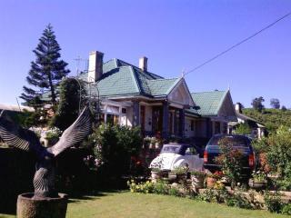ROSELYNN MANOR Room C - Nuwara Eliya vacation rentals