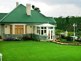 ROSELYNN MANOR Room D - Nuwara Eliya vacation rentals