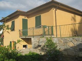 Casa Mimosa Flat  in the countryside, terrace, beautiful view on the bay, beach 500 meters - Procchio vacation rentals