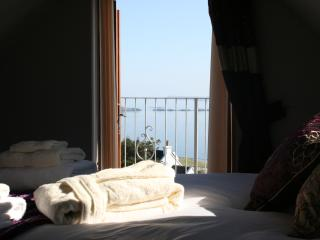Nice Chalet with Deck and Internet Access - Isle of Skye vacation rentals